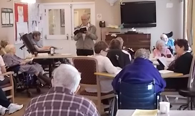 A photo of the Wednesday afternoon program hosted by volunteer and family member Bob Scrivens.